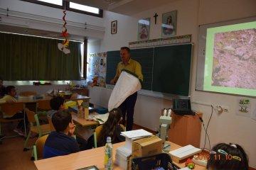 Ismeretterjesztő előadás a Szent József Kertvárosi Katolikus Általános Iskolában