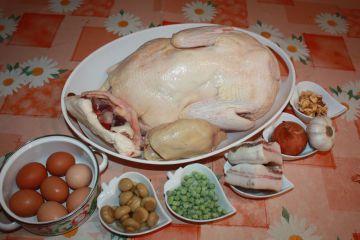 Egészben sült, töltött kacsa krumplipürével, házi készítésű szilvás lilahagyma chutney-val - Hozzávalók