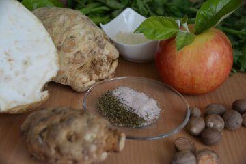 Zellerkrémleves, ropogós zeller csíkokkal - Hozzávalók