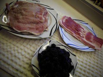 Aszalt szilvával töltött sertés szelet baconba tekerve - Hozzávalók