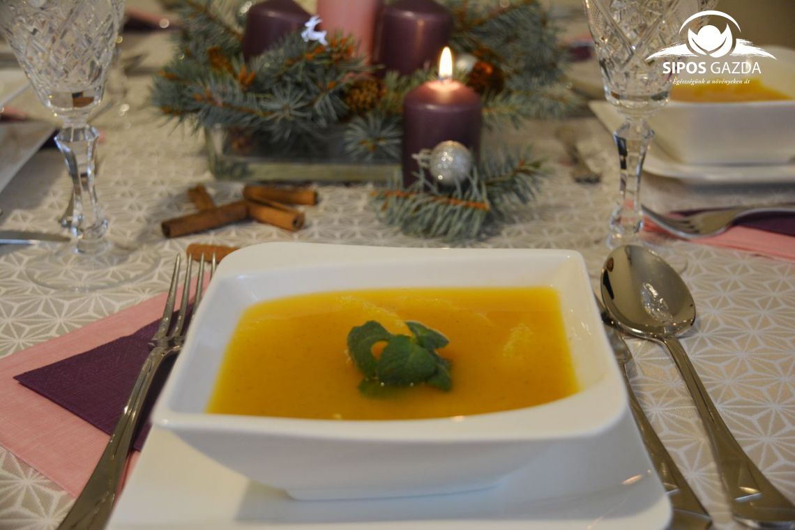 Gyömbéres-narancsos sárgarépaleves
