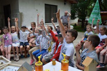 Szőnyis kisdiákok vidáman tanulhattak a Gyömrei tanyán